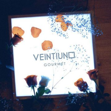 "VEINTIUNO ""Gourmet"" (Warner Music, 2018)"