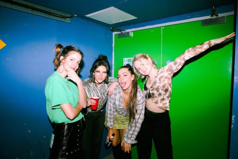 Hinds: «Hemos evolucionado como banda, y nos apetecía experimentar un poco más»